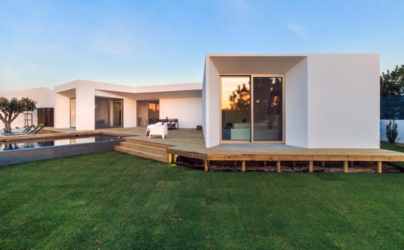 Czas budowy domu jest nie tylko ekscentryczny ale także wielce oporny.