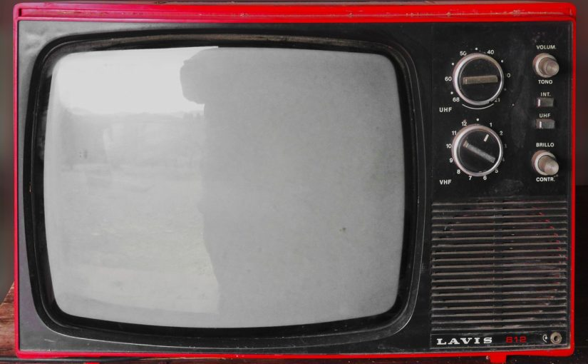 Samotny odetchnięcie przed tv, lub niedzielne filmowe popołudnie, umila nam czas wolny oraz pozwala się zrelaksować.